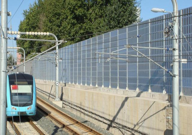 城际铁路声屏障
